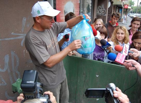 """Obrazek """"http://www.recykling.pl/recykling/content/photo/plast2708/3.jpg"""" nie może zostać wyświetlony, ponieważ zawiera błędy."""